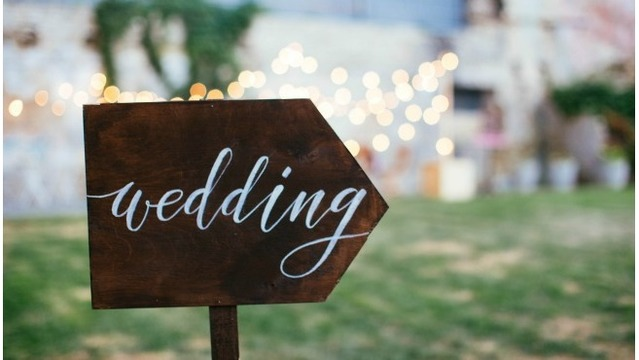 10 West Michigan Wedding Venues Every Bride Wants To Book