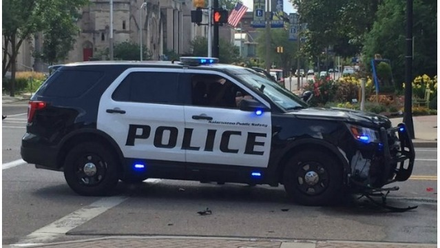 Kalamazoo police cruiser involved in crash