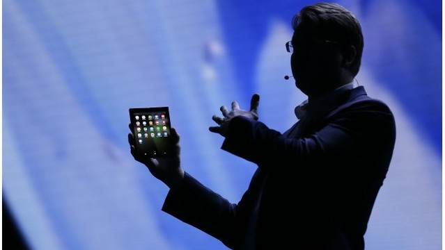 Next big thing? Smartphone makers bet on foldable screens