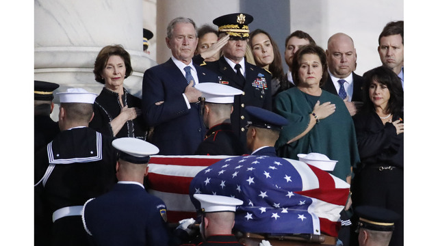 President George HW Bush lies in state 120318 Getty_1543892145475