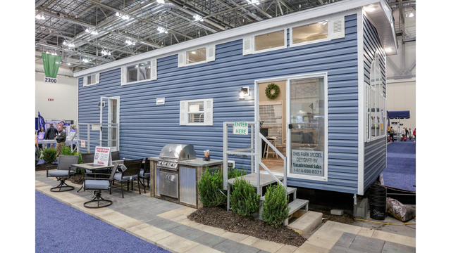 Cottage & Lakefront Living Show 10 032319